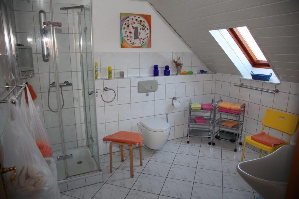 Möwe, Duschbad, WC